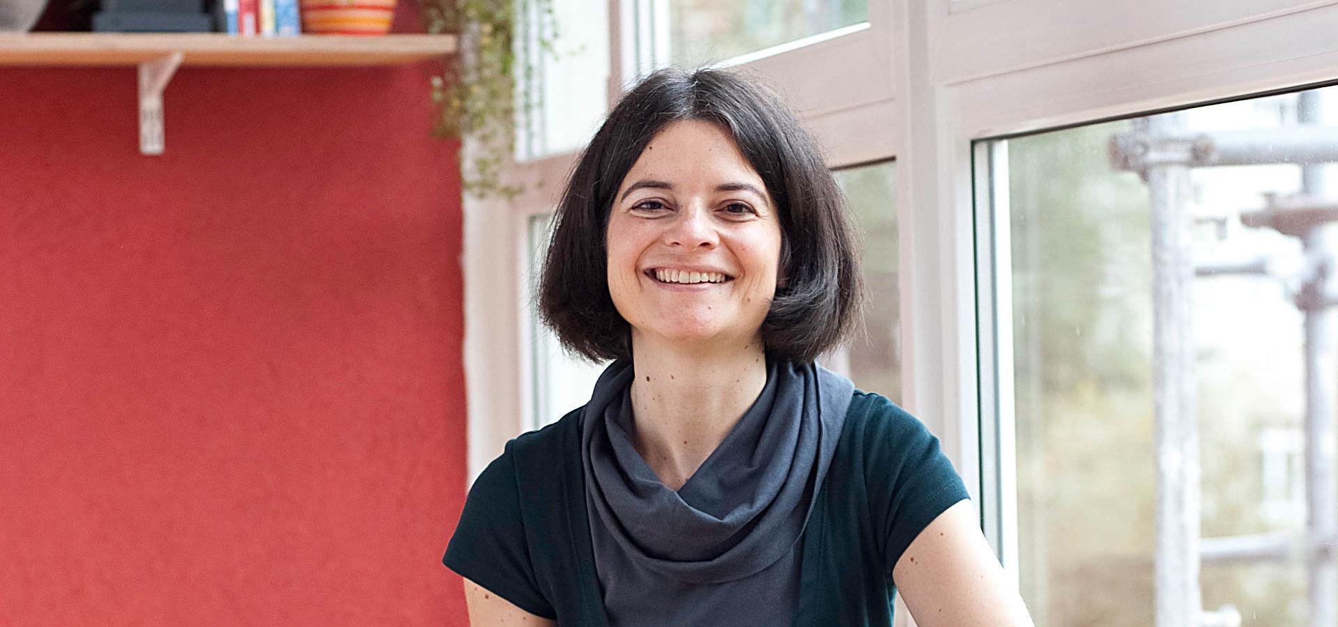 Nicole Centmayer gibt Klavierunterricht in Wiesbaden und gibt Kurse für Babys und Kinder Musikgarten